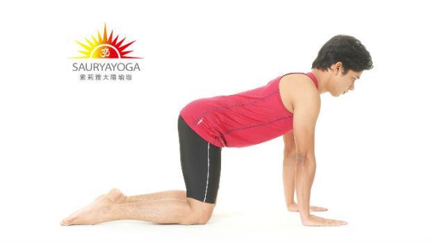 自己的脊椎自己矯正!一個動作,3分鐘改正你的脊椎側彎!