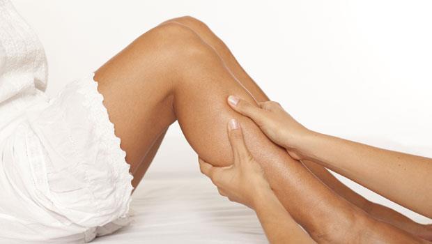 按摩小腿肚,促循環增代謝!中醫師警告:按下去像「爛泥巴」要馬上就醫