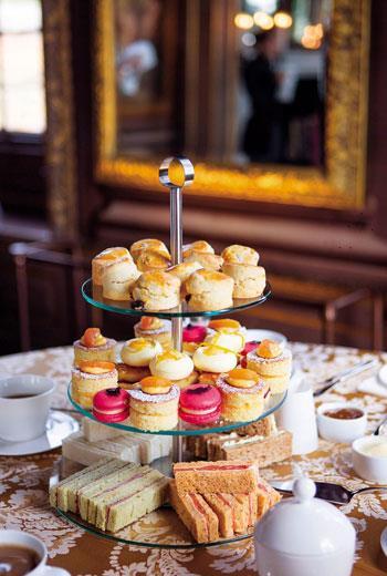 在漢普頓宮享用的英式下午茶。意外的不花俏,很樸實。