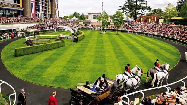 一年一度英國最盛大、熱鬧的慶典——皇家賽馬會(Royal-Ascot)。
