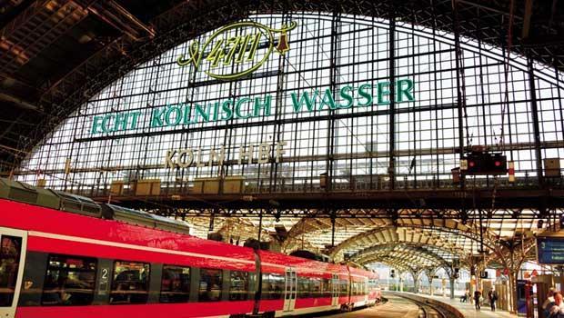 德國-科隆火車站月台上4711的廣告