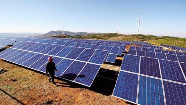投資電廠成太陽能業者新選擇,要吃到這連蘋果都看好的商機,除了口袋深,人脈更重要。