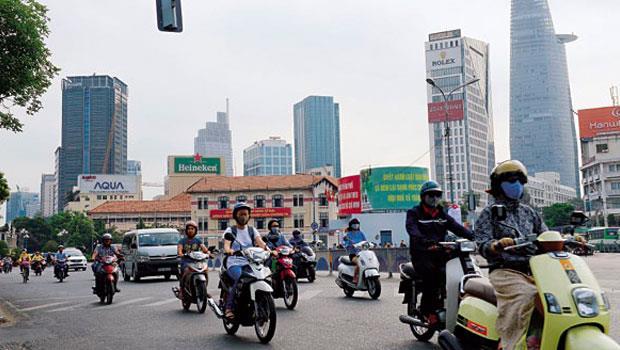 越南想以低勞動成本成為世界工廠,仍須克服反華與官員貪腐問題。
