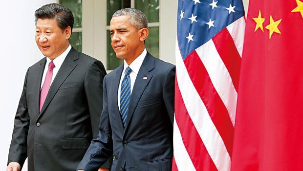 習近平(左)此次訪美攜帶中國精銳企業,牽動中美貿易總額逾5,500 億美元,2024 年雙邊貿易總額上看1 兆美元。