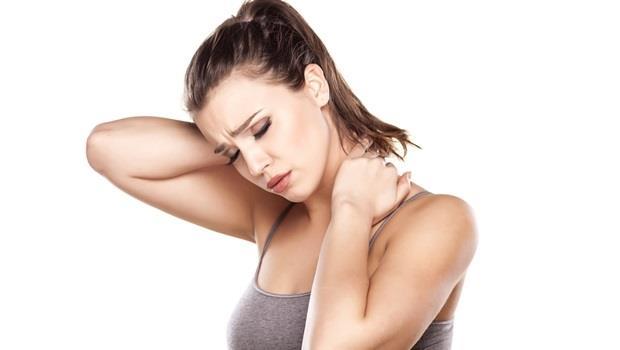 找不出原因的頭暈、背痛、疲倦...關鍵在「脖子」!洗澡後用「吹風機」暖脖子,把健康找回來