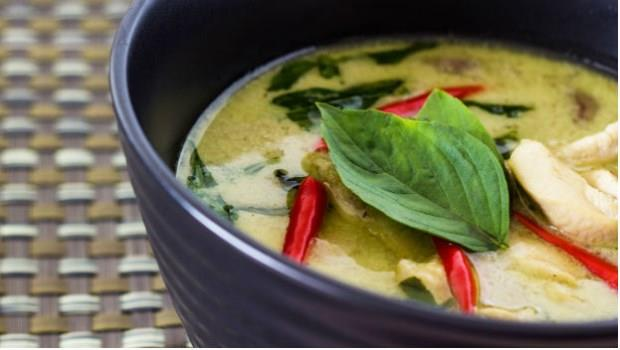 【食譜】泰式經典「綠咖哩椰汁雞」:為什麼綠咖哩都是辣的?