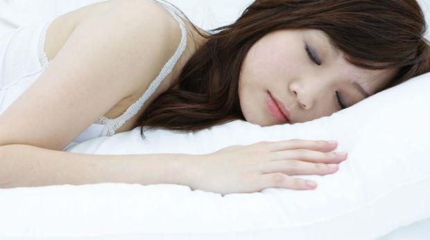 睡眠是最好的醫師!醫學博士:一個動作,讓你快速放鬆、睡甜甜