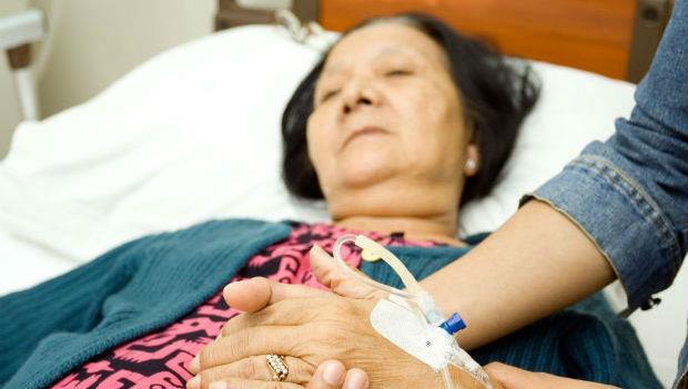 「總算讓我等到中風了!」一心想死的婆婆:絕對不可以救我