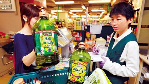 食用油風暴之後,味全大砍原物料品項3 成,產品品項也減少逾200 項,下重手進行內部變革。