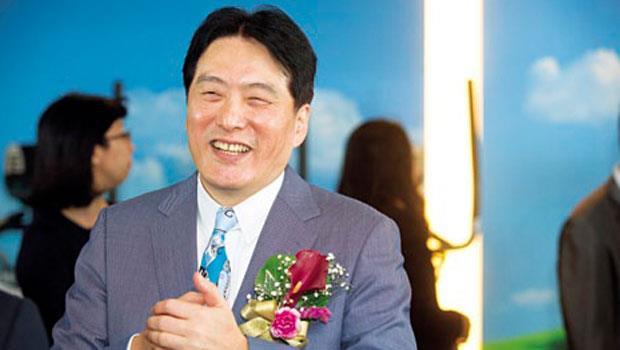 為打贏這場仗,統一董事長羅智先親自改造烘焙事業,但想後發先至發麵包財,還有許多難關。