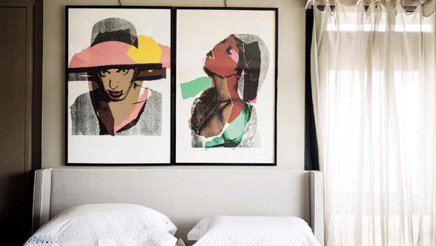 安迪沃荷的畫作,就掛在寬庭美學董事長陳靜寬家中的臥房床頭, 與她朝夕相處。