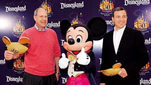 艾斯納不怕衝突(左)、艾格敢於授權(右),迪士尼前、後任CEO風格迥異,帶迪士尼攀上不同事業山峰。