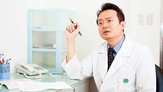 值班醫師 邱彥霖