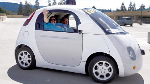 Google 自動車靠電力發動,不吃一滴油,最高時速約40 公里,至今累積實驗里程數超過250 萬公里,一旦上市,將打破傳統車市版圖。