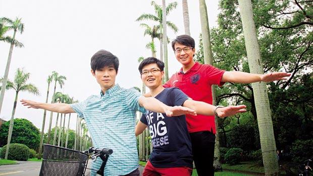 徐啟峻(左)、逄錦人(中)、李明諺(右)對沒修完的課業有遺憾卻不留戀,返台後,3人依然在台大名列前茅。