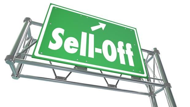 股災的英文關鍵字》sell off跟sell-off看起來很像,但意思哪裡不同?