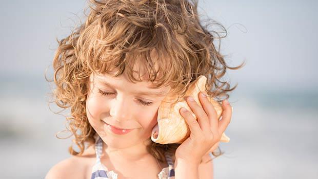 以色列爸爸談「同理心」:女兒遺失了心愛的貝殼,你會為了孩子的傷心再回沙灘揀貝殼嗎?