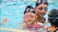 去游泳池逼你戴泳帽、燒金紙、颱風多...老外最討厭台灣的10件事