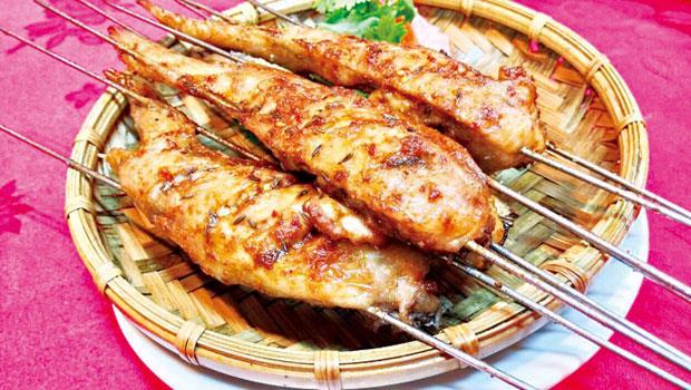 金麥子酸白菜火鍋的烤雞翅