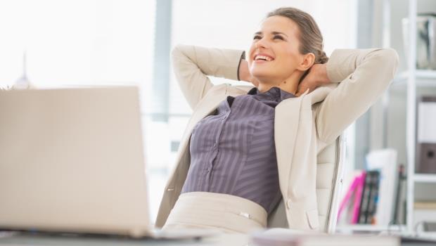 在辦公室也能做的「瘦腰」鍛鍊法!1天4次,擺脫肩膀僵硬、找回細腰