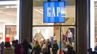 GAP越賣越差的原因,竟是因為惹怒35歲以上的客人