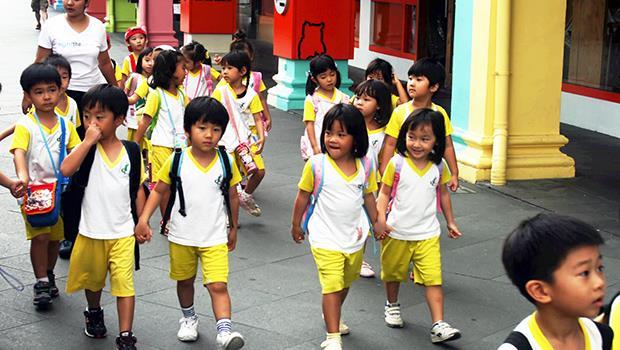 補教業變成「影子教育」》新加坡超過90%的小學生,放學後上補習班