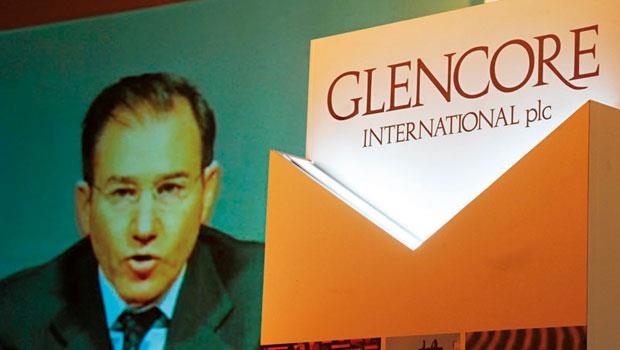 股價暴跌讓葛蘭森柏格財富1天蒸發5億美元,這位嘉能可執行長想賣掉賠本礦產以救公司,仍有不小挑戰。