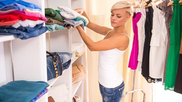 上班族的福音!Panasonic推出懶人衣櫃,一晚可折40件衣物