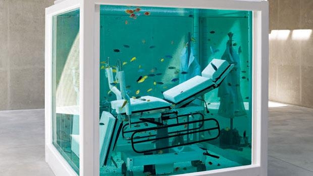 藝術金童Damien Hirst的名作《Lost Love》是必看作品。