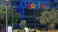 這位Google工程師三餐吃公司、晚上睡拖車,10個月內還掉70萬學貸!