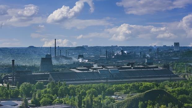 讚崎烏龍麵的故鄉竟有這地方?回收舊手機和電腦的全球最大「煉金場」