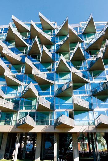 丹麥BIG建築師事務所在哥本哈根設計的「VM集合住宅」