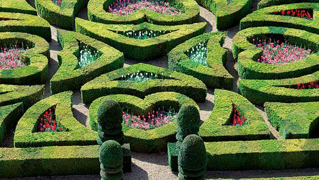 花園裡暗藏心機 親眼所見,比千言萬語更容易觸動人心,買了鑽石,彷彿買了一座義大利花園。