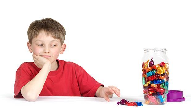 如果你的小孩先吃了棉花糖...棉花糖實驗之父教你「意志與耐力」都可以後天培養