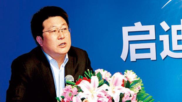 靠投資房地產與煤礦致富的紫光董事長趙偉國,出招大膽兇悍,更曾誇下海口:「我們要在5 年內超越聯發科!」