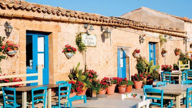 西西里拉古薩地區的Gulfi酒廠一景。