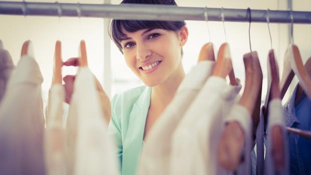 不是你衣服太多,是衣櫃沒整理好!學會這4招,讓你衣櫃不山崩