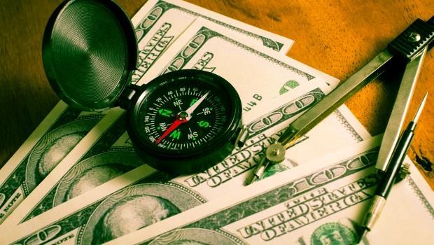 不管經濟好壞股市都漲,你不覺得詭異嗎...此刻手上的錢,該往哪投資?