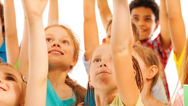 別被名次綁架了!孩子們有獎徵答時更積極「搶第二」舉手,給我的啟示是...
