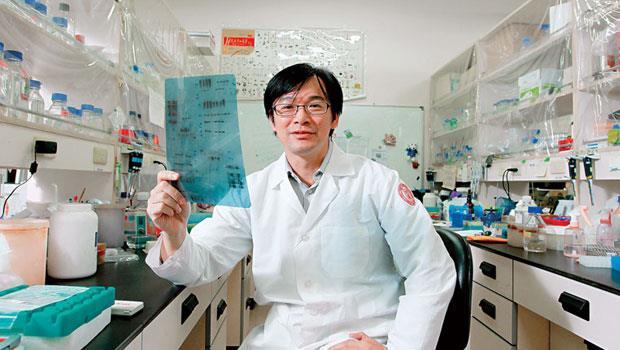 雖是植微系老師,但沈湯龍的實驗室一天到晚有醫學系、動物系、生命科學系等跨學系的研究生來做實驗,他都敞開大門歡迎。