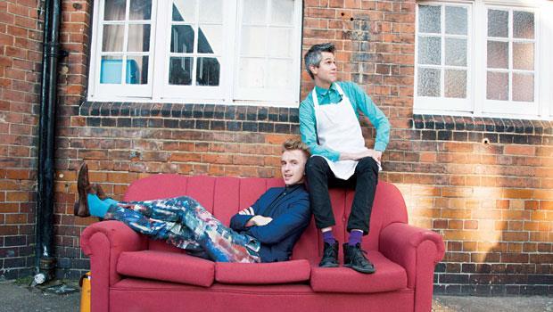 英國正當紅的食物藝術家「Bompas & Parr」由山姆‧邦帕(左)與哈利‧帕爾(右)兩位從13歲就認識的好友共創,瘋狂的山姆負責發想,務實的哈利負責執行。