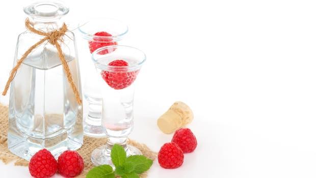 冬天就是要喝白蘭地暖暖胃》你知道大湖的草莓露,也可以稱為「草莓白蘭地」嗎?