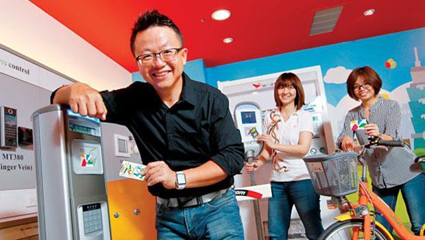 近3年打入可口可樂、統一、台灣大車隊等傳產龍頭,Intel Capital 今年唯一投資台廠--微程式