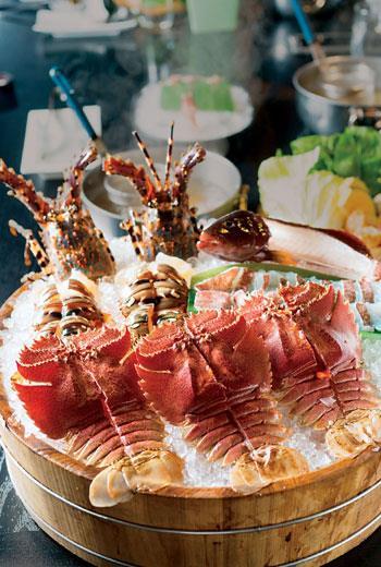 生食等級的活跳海鮮,是汆堂的主打。