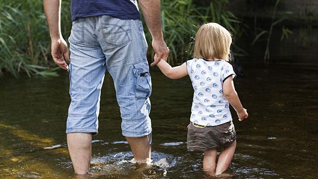 「小朋友」三個字的真諦》荷蘭爸爸妙解中文:從「小」陪孩子,成為他們的「朋友」