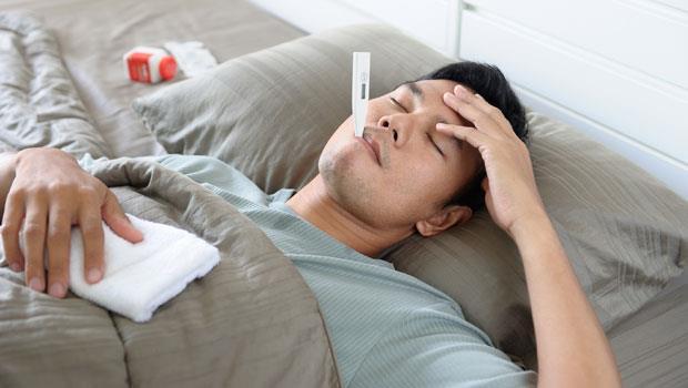 肝腎不好,百病纏身!臉色黯沉、沒感冒卻發燒...4大現象提早發現病變