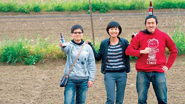 他們用茶與雜糧決戰精釀啤酒界二個年輕團隊,打造台灣風土的實驗室──禾餘麥酒團隊 林亞平(左起)、盧心潔、陳昱廷