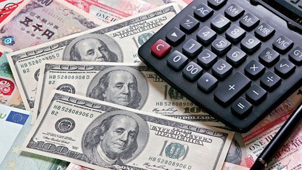 近期美元資產深受歡迎,但專家提醒,美元保單並非人人適合投保。