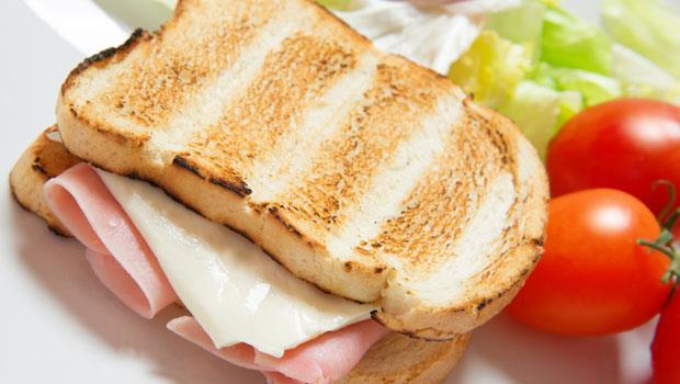 愛吃土司、飯糰當早餐?小心這些食物就是讓你上班恍神、昏昏欲睡的元兇!
