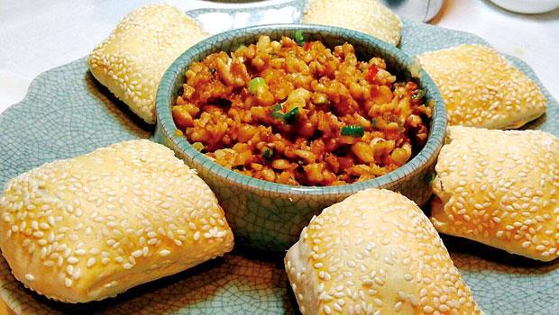 松子雞米配叉子燒餅